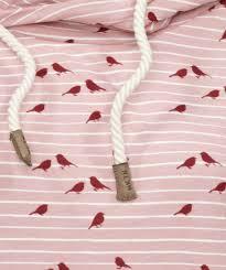 Roze hoodie met vogelprint detail voorzijde
